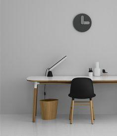 502125_Acrobat_Table_Lamp_Black_10
