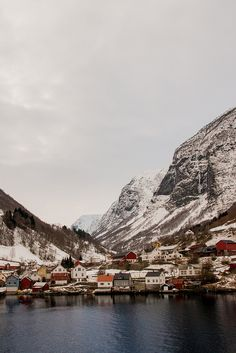 "Flåm fjord, Aurlandsvangen, Sogn og Fjordane Fylke, NO // ""On a ferry trip to Flåm. The towering cliffs either side of the Norwegian fjords are an impressive site in any season"" by Dave Appleby via Flickr - Photo Sharing!"