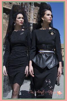 Mantilla (lace or silk, veil or shawl) worn over peineta (high comb) Mantilla Semana Santa, Lbd, Chapel Veil, Bride Of Christ, Spanish Style, Shawl, Peplum Dress, Royalty, Silk