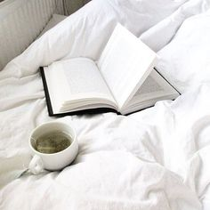 Bom dia :) . Credits to @polina_alonso . #book #books #bookworm #bookstagram #booklover #bookme #instabook #instaread #instagramanet #instatag #booknerd #bookstore #bookporn #booknow #bookaholic #bookshelf #booklove #bookmark #bookaddict #read #reading #reader #readingtime #readingfestival #literature #literatura #stories #words #text