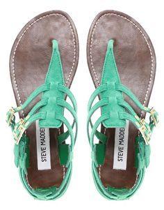 giras sandálias