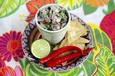 Gluteenittomat ja niin herkulliset itse tehdyt nachot voi tarjoilla vaikka cevichen tai guacamolen kanssa.