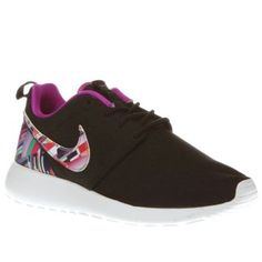 Nike Multi Roshe One Print Girls Youth The Nike Roshe One Print arrives to earn your mini trendsetter extra style points. Arriving in black, the popular silhouette features a breathable man-made upper, with colourful geometric accents for  http://www.MightGet.com/january-2017-13/nike-multi-roshe-one-print-girls-youth.asp