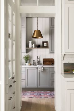 Home Design, Interior Design, Design Shop, Coastal Cottage, Cottage Homes, Style Me Pretty Living, Pantry Design, Restaurant, Kitchen Photos