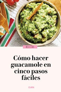 How to make guacamole in five easy steps - Aperitivo - Salsa Guacamole, Guacamole Recipe Easy, How To Make Guacamole, Homemade Guacamole, Salmon Recipes, Veggie Recipes, Lunch Recipes, Mexican Food Recipes, Healthy Recipes