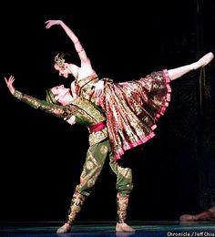 Manuel Legris and Fanny Gaida of the Paris Opera Ballet in Nureyev's La Bayadere at the San Francisco Opera House, 2001. Chronicle photo by Jeff Chiu.
