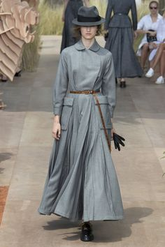 Christian Dior Fall 2017 Couture Collection - Vogue