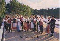 Finnish folk dancers by naya_hachi on Flickr