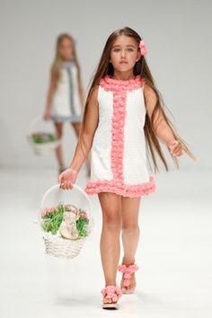 Resultado de imagen para vestidos niñas verano 2013
