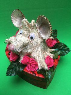 Geschenkbox mit Muschel-Maus... Sea Shells, Cordial, Decorations