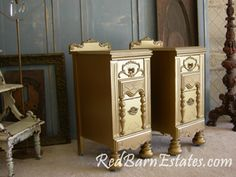 Gorgeous #Gold Night Stands by {Red Barn Estates} #GoldFurniture #PaintedFurniture