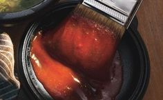 Bourbon and Brown Sugar Barbecue Sauce / Hans Gissinger
