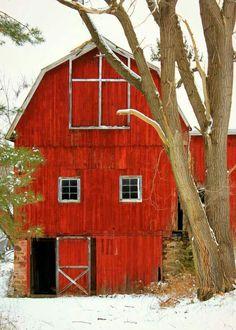 ideas farmhouse landscaping ideas red barns for 2019 Country Barns, Country Life, Country Living, Country Roads, Barn Pictures, Farmhouse Landscaping, Landscaping Ideas, Barns Sheds, Pintura Country