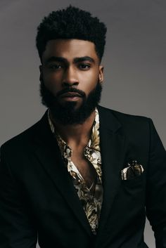 Rémy in beautiful fashion portrait /// Men In Black, Gorgeous Black Men, Beautiful Men, Black Boys, Black Men Beards, Handsome Black Men, Beard Styles For Men, Hair And Beard Styles, Dark Man
