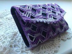 LiliAnna / Púzdro Andrejka II. Crochet cell phone case Purple Squares