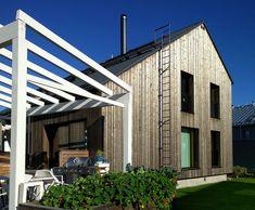 Architect family builds an ecological log home - Honka Log Homes, Ecology, Finland, Garage Doors, Building, Outdoor Decor, Modern, House, Home Decor