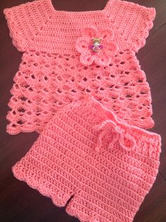 Baby Girl Dress Patterns, Baby Dress, Free Crochet, Crochet Hats, Crochet Dog Patterns, Crochet Baby Clothes, Baby Booties, Kids Outfits, Crochet Toddler Dress