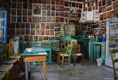 Cafe in Crete, Greece, with Orthodox Christian icons. Heraklion, Crete Greece, Athens Greece, Greek Cafe, Crete Island, Coffee Places, Greek Isles, Interior And Exterior, Traditional