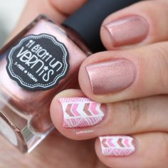 ieuv all is gold pink white and gold sweet aztec pattern nail art