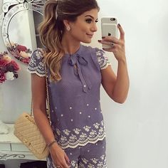 {Do dia } Conjunto @jjmodas de poá com bordado maravilhoso!!  Na fase do azul né?!  Amo! A loja envia para todo o Brasil meninas! www.jjmodas.com.br • #ootd #lookdodia #lookoftheday #selfie #blogtrendalert