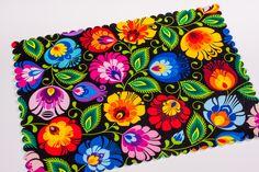 Czarna filcowa podkładka folk na stół 27x37 - na ludowo - kwiaty łowickie