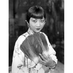 """summers-in-hollywood: """"Anna May Wong in Chinatown Charlie, 1928 """" Old Hollywood Glamour, In Hollywood, Classic Hollywood, Asian American Actresses, Anna May, Vintage Beauty, Vintage Fashion, Hollywood Actresses, Vintage Photos"""