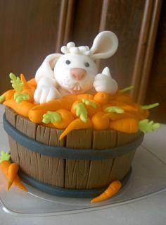 tarta barril con zanahorias u conejo