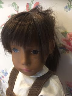 Here for sale is a gorgeous Early Gotz Sasha Doll, from the late 60's. She is in good condition, she is restrung, no caving in her sockets. She comes wearing original Sasha dungarees and white blouse. Please pay by PayPal, within 3 days of auction ending or I will re-list. | eBay!