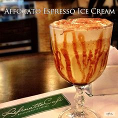 This is without a doubt one of my favorite desserts! An affogato is an espresso-based dessert that you'll find on many Italian restaurants' menus, as well as at cafes serving espressos. The full name is actually Yummy Drinks, Delicious Desserts, Dessert Recipes, Yummy Recipes, Smoothie Drinks, Smoothie Recipes, Smoothies, Espresso Ice Cream, Tiramisu Dessert