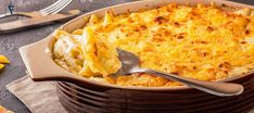 When John Legend visited Martha Stewart, he decided to go ahead and share one of his favorite recipes which later named as John Legend Mac and Cheese John Legend Fried Chicken Recipe, John Legend Mac And Cheese Recipe, Cheese Recipes, Cooking Recipes, Healthy Recipes, Yummy Recipes, Healthy Food, Dinner Recipes, Yummy Food