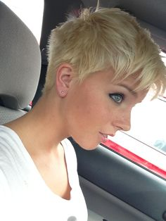 Love it! short pixie hair