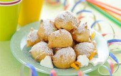 Frittelle di Carnevale con il Bimby - Ecco per voi la ricetta per preparare delle sfiziose frittelle di Carnevale da fare con il Bimby, un procedimento semplice per avere in tavola frittelle davvero favolose.