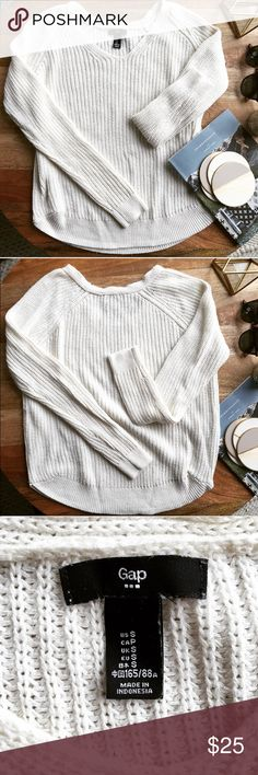 Gap Cozy White Sweater Cute, comfy and cozy! This sweater is perfect for fall layering.  Pre-loved in very gently used condition - slight fuzziness. Do not know the fabric content because I cut the tag off 😪 but it is very soft and lovely feeling. 🌟Bundle and save! 🌟 GAP Sweaters V-Necks
