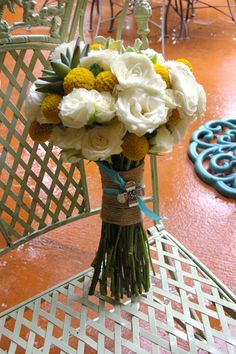white bouquet with a touch of yellow (and succulents)