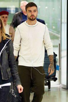 Liam arriving in Sydney, Australia - One Direction Photos, One Direction Humor, I Love One Direction, Rebecca Ferguson, I Still Love Him, My Big Love, Liam James, Nicole Scherzinger, Zayn Malik