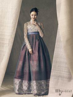 한복 hanbok : korean traditional clothes dress h Korean Fashion Trends, Korea Fashion, Ethnic Fashion, Asian Fashion, Korean Traditional Dress, Traditional Fashion, Traditional Dresses, Korean Dress, Korean Outfits