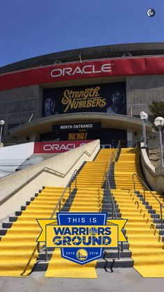 I will watch a warriors game in Oakland one day Golden State Warriors Wallpaper, Golden Warriors, Warriors Basketball Team, Warriors Game, Bay Sports, Sports Stadium, Oakland San Francisco, Curry Warriors, Splash Brothers