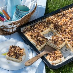 Ess-me-stupid cake- Ess-mich-dumm-Kuchen Preheat oven to 180 ° C circulating air. The ingredients for … - dich dumm kuchen, Delicious Cake Recipes, Yummy Cakes, Yummy Food, Le Boudin, Shortcrust Pastry, Pudding Desserts, Pastry Recipes, Macaron, Food Cakes