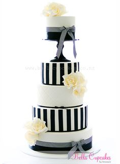 Black and White - Por Bella Cupcakes (Vanessa Iti)