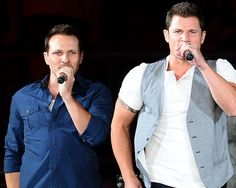 Nick and Drew Lachey to Open Sports Bar on Reality TV Series