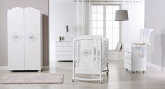 Mobilier modern pentru camera copilului, vezi aici cele mai noi modele de camere pentru copii. Tags: Camera copilului Baby Comforter, Mai