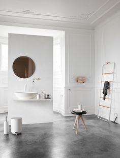 Towel Ladder, White/Light Ash - MENU A/S