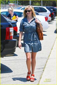 Reese Witherspoon, love the denim dress! Just Jared #fashion #reesewitherspoon