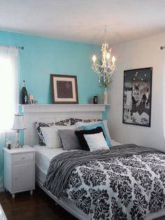 Possible idea for a guest bed room as far as color and design...I love that blue : )