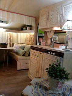 http://www.caravanasvintage.com/caravana-vintage-burdeos/