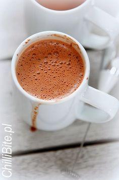 ChilliBite.pl sprawdzone przepisy kulinarne ze zdjęciami : Puszysta czekolada na gorąco - the best!
