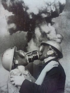 Final Kiss surreal nuclear apocalypse vintage portrait photo freaky , odd and very cool , the next big thing in romantic alternative wedding photos perhaps ? Gas Mask Art, Masks Art, Gas Masks, Jolie Photo, White Photography, Art Inspo, Collage Art, Vintage Photos, Black And White