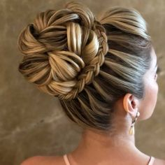 The Best Short Haircut Styles For Women – HerHairdos Box Braids Hairstyles, Loose Hairstyles, Bride Hairstyles, Hairstyle Ideas, Natural Hairstyles, Haircut Styles For Women, Short Haircut Styles, Long Hair Styles, Best Ombre Hair