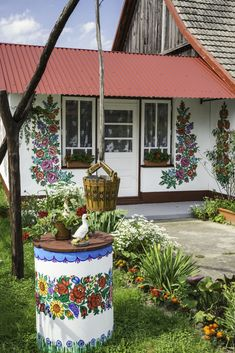 Poland's colourful painted village in Zalipie is charming and beautiful  - housebeautiful.co.uk