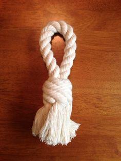 Auch eine Idee: Hunde-Knoten einfach selber machen: DIY Loop Rope Tug Toy for Dogs #Hundespielzeug